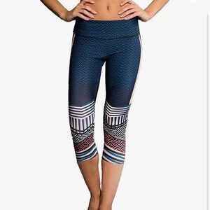Onzie Printed Yoga Capri Leggings